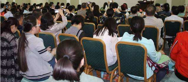 白城玛丽亚妇产医院开展共建平安社区活动